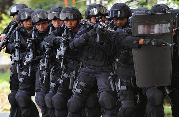 How to Talk to Kids About the Police State 610x400